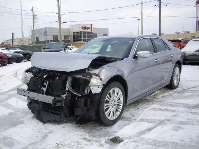 chrysler 300c accident blog sur les voitures. Black Bedroom Furniture Sets. Home Design Ideas