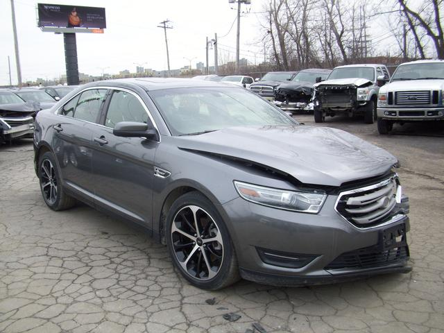 ford taurus sel awd v6 2014 vendre montr al autos internationales. Black Bedroom Furniture Sets. Home Design Ideas