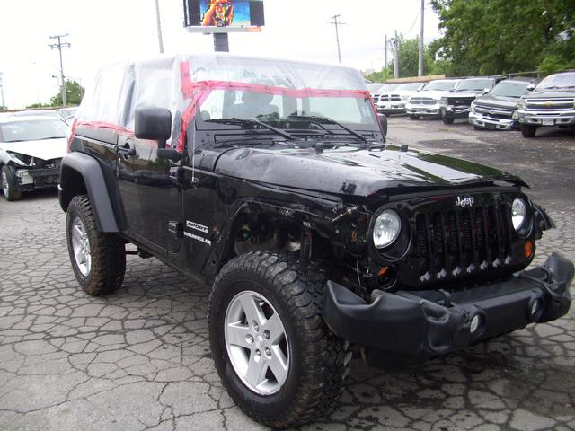 jeep wrangler sport 4x4 v6 2012 vendre montr al autos internationales. Black Bedroom Furniture Sets. Home Design Ideas